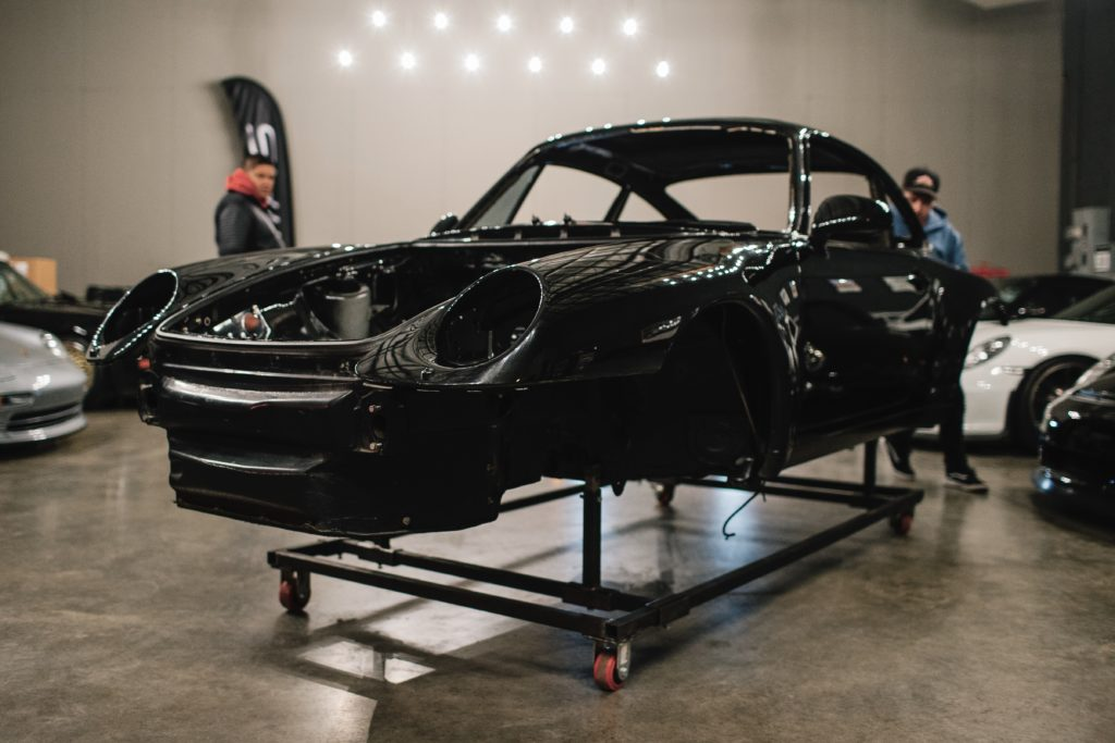 311RS CupSport #01 shell Peter Lapinski Porsche 911 993 bare metal chassis trolley